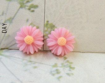 13 mm Light Pink Colour Little Chrysanthemum Resin Flower (.sm)