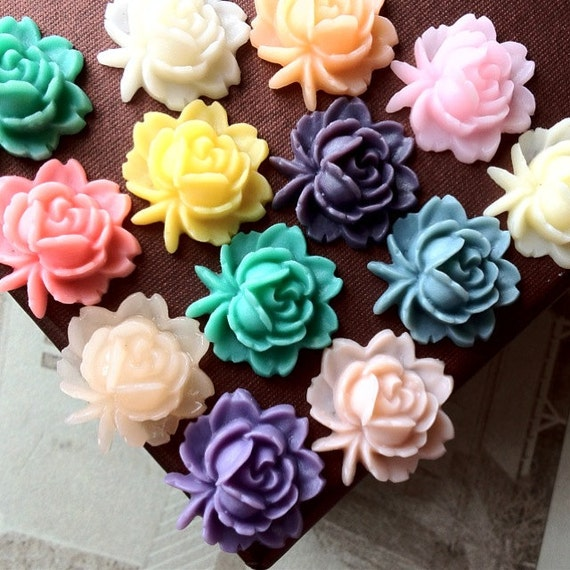 12 Pieces (6 Pairs) of 18 x 18 mm Assorted Colour  Resin Flower Cabochons (.ag)