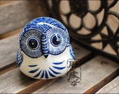 Chinese Blue and White Ceramic Owl Decoration Eastern Room Table Ornament