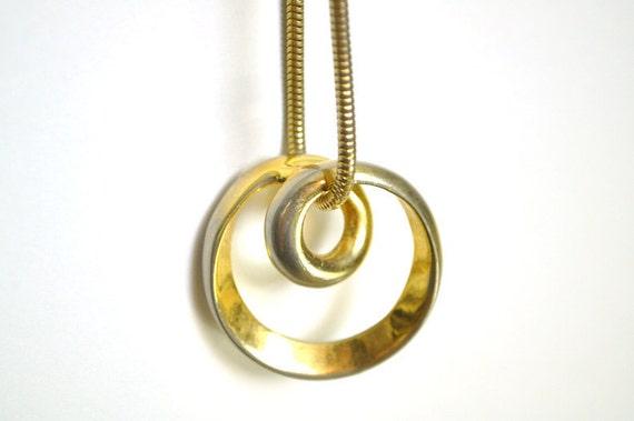 ViNTAGE GOLD MiNiMALiST Pendant