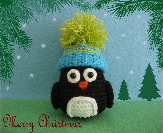 Crochet Christmas Penguin with bobble hat