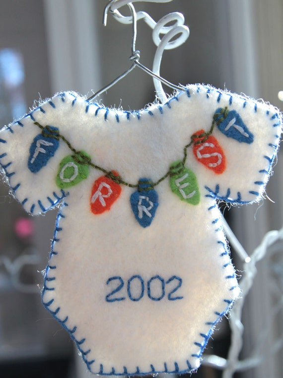 Personalized onesie Christmas ornament, boy colors - Made to order