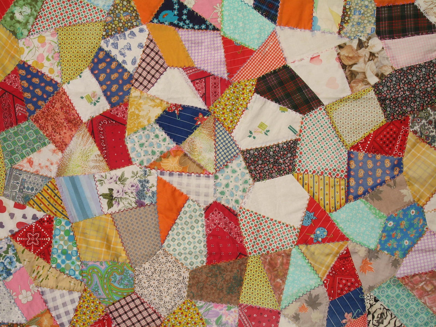 VINTAGE Crazy Quilt Bedspread Lap Quilt Wallhanging Country