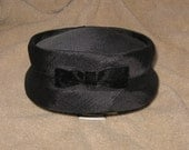 Lovely vintage 1950's, ladies, black hat - pill box style, flapper, church hat, steampunk