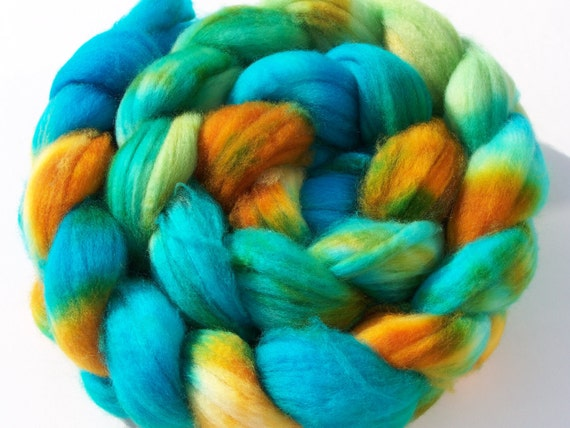 Hand dyed Superwash Merino combed top, 5 oz, roving, spinning fiber