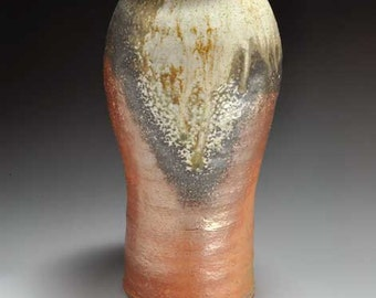 Shigaraki, anagama, ten-day anagama wood firing, with natural ash deposits flower vase. hana-22