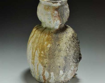 Shigaraki, anagama, ten-day anagama wood firing, with natural ash deposits Iga flower vase. igahana-23