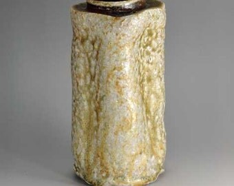Shigaraki, anagama, ten-day anagama wood firing, with natural ash deposits wall hanging flower vase, kake-25