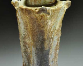 Shigaraki, anagama, ten-day anagama wood firing, with natural ash deposits Iga flower vase. igahana-35