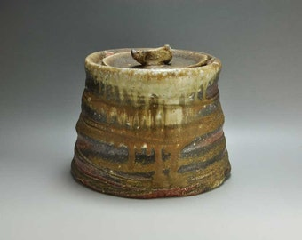 Shigaraki, anagama, ten-day anagama wood firing, with natural ash deposits water jar. mizu-31