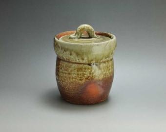 Shigaraki, anagama, ten-day anagama wood firing, with natural ash deposits water jar. mizu-40