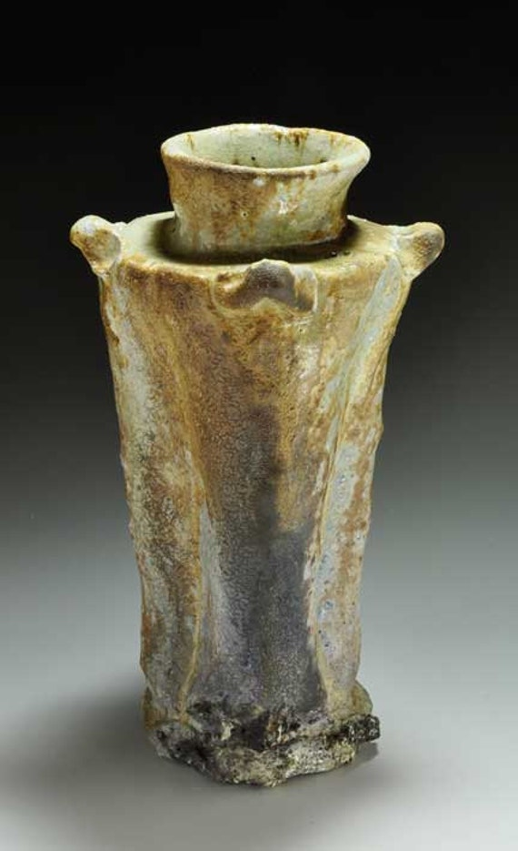 Shigaraki, anagama, ten-day anagama wood firing, with natural ash deposits Iga flower vase. igahana-35