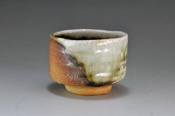 Shigaraki, anagama, ten-day anagama wood firing, with natural ash deposits Shiiho Kanzaki sake cup. guinomi 130