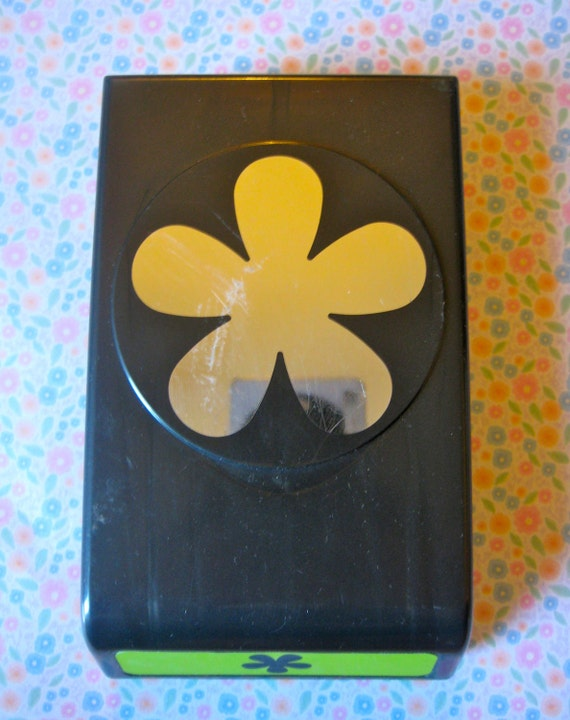 Destash Sale EK Success Garland Flower Paper Punch