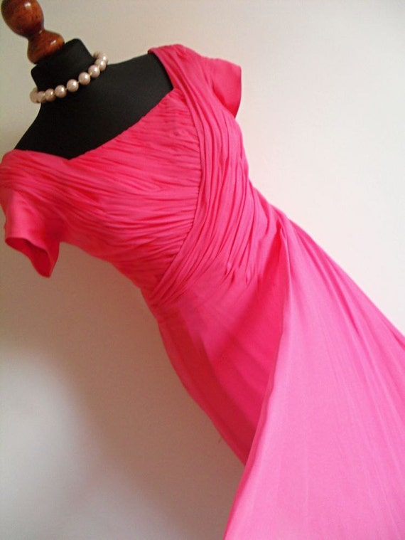 Sale . The Pink Drapes . Fabulously Draped Dress With A Swag 1950s M medium Bombshell Frock Hollywood Glam