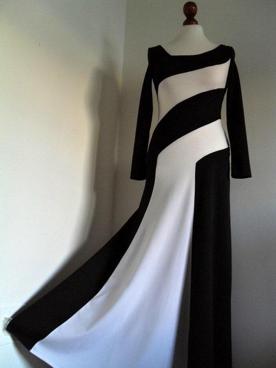 PARIS FRANCE . Black & White Eve . Maxi Structured Colorblock Graphics Dress 1970s xs