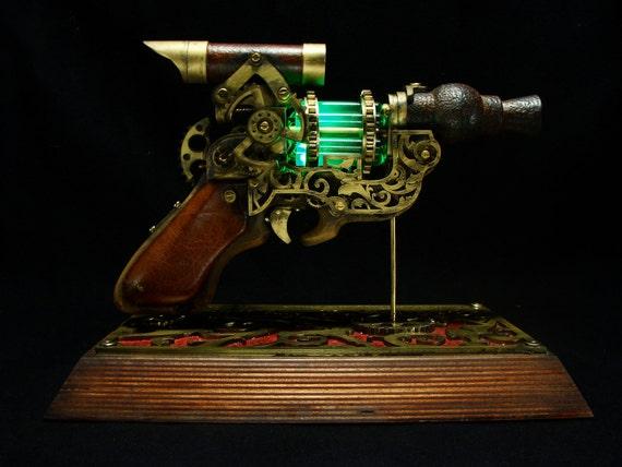 clockwork vapouriser - cool steampunk ray-gun