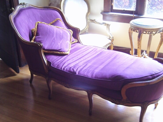French Purple Fainting Couch, Hollywood Regency