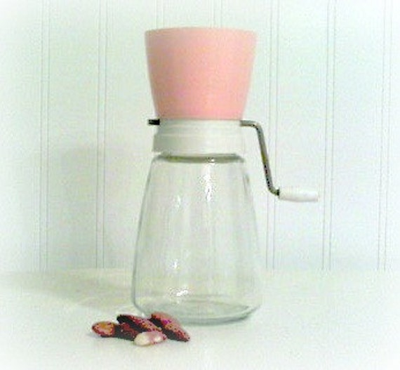 Kitchen Tool Nut Grinder Pink White
