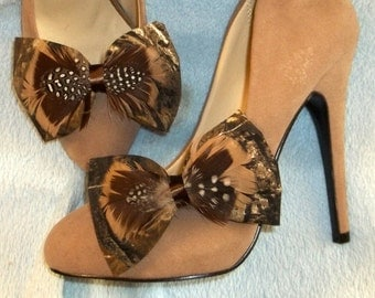 Bridal Shoe Clips -Camouflage Shoe Clips- Green Tan Brown - set of 2 Bows with Feathers- Camo Bride