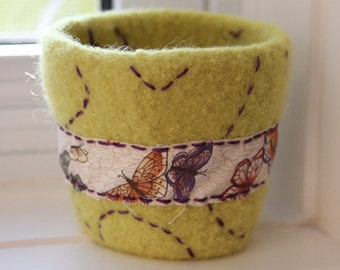 Reusable Coffee Cup Sleeve - Coffee Cup Cozy - Lemongrass - Butterflies