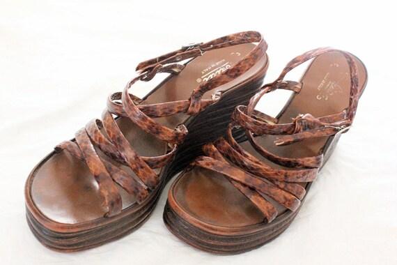 Vintage 70's Italian Zodiac Platform Sandals Sz 9/9.5