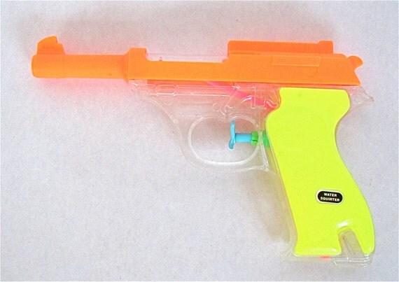 TREASURY ITEM Water Pistol, Bright Multicolored, Squirt Gun
