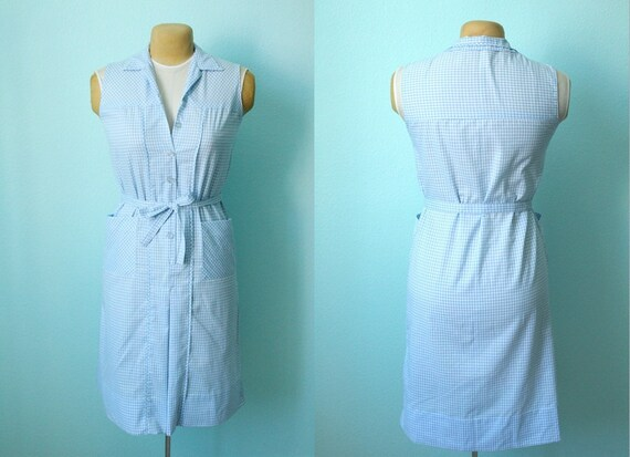 vintage 1970s blue and white gingham summer picnic bbq dress// camping // house dress // size medium