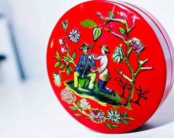 60s Asian tin container - Vintage round can with man and woman scene - Oriental decor with vintage buttons