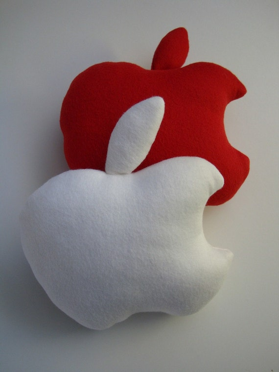 Mini Wanna-be White Apple Cushion