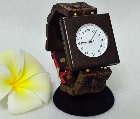 Wooden Watch Flower engraving