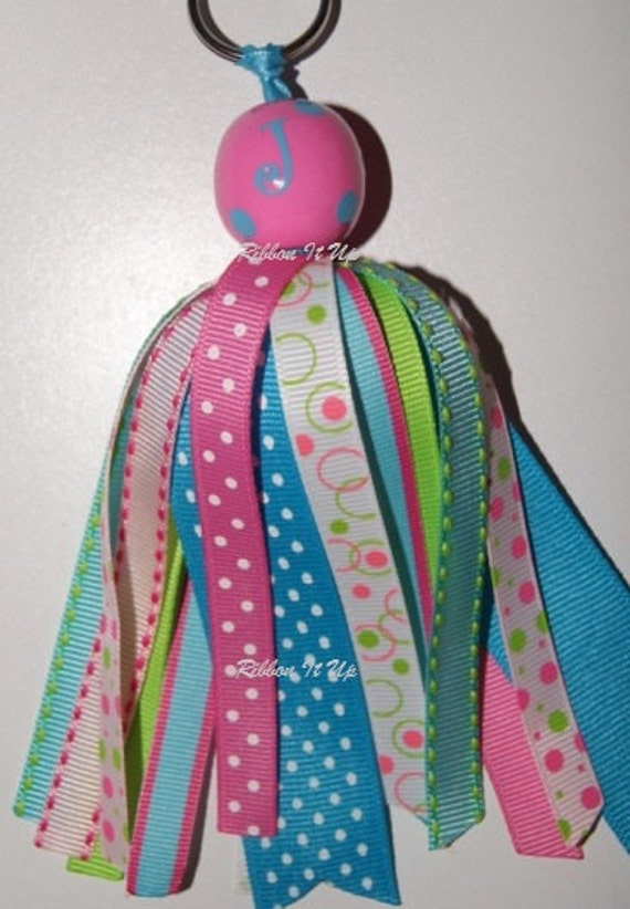 personalize initial Keychain with ribbon streamers