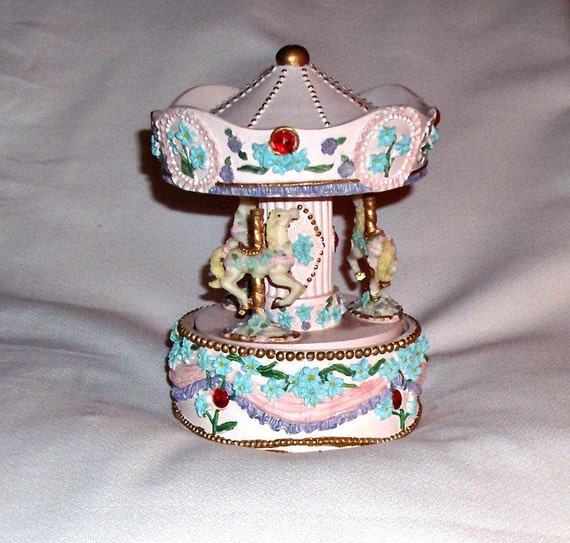 1960 Merry Go-Round Carousal Music box