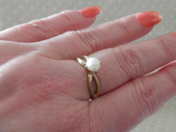 Ring, Pearl Ring, Genuine Pearl Ring, Stunning Genuine Pearl Ring, Size 8, Size 8 Pearl Ring, Gold and Pearl Ring