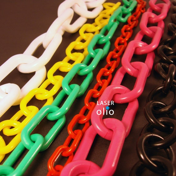 RESERVED - Assorted lot of big link plastic chain
