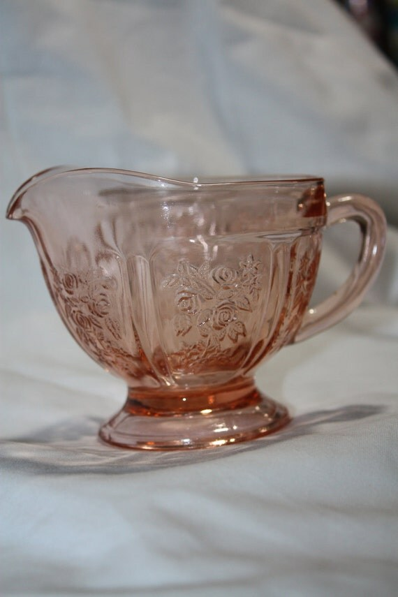 Federal Glass Co - Sharon (also known as Cabbage Rose) Pattern Creamer