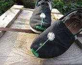 Little Daisy Custom Toms (Both Shoes)