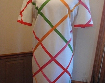 Price Reduced 30.00 -- Vintage Bill Blass Dress -- Beautiful