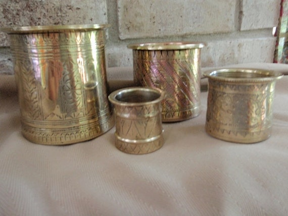 Beautiful Set Of  Measuring Cups