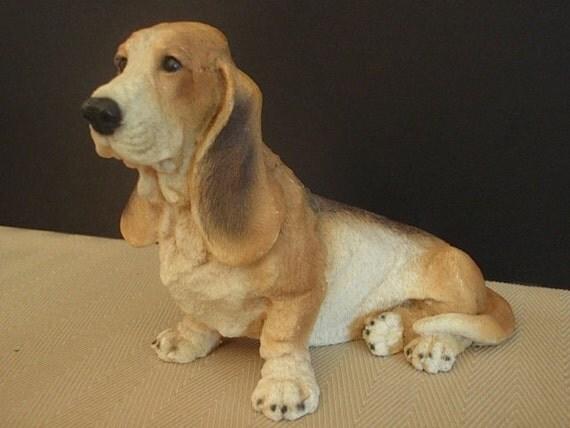 Vintage Bassett Hound Dog Statue / Figurine