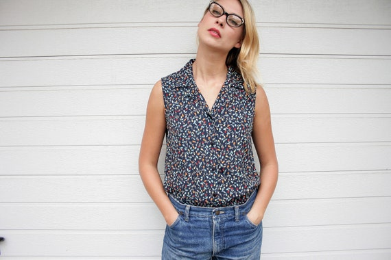 Vintage Tiny Flowers Print Sleeveless Blouse