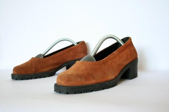 Vintage Cinnamon Brown Suede Grunge Low Chunk Heel Shoes Size 7.5