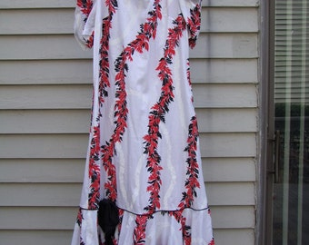 Hawaiian dress by Hilo Hattie, bold colors,piping, ruffle, and rauch sleeves (8)
