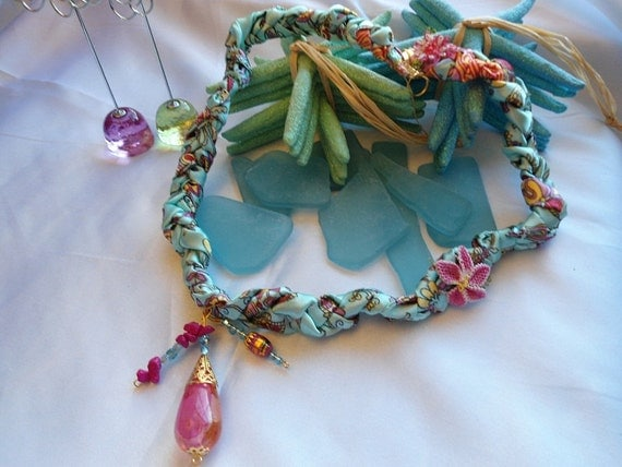 SALE --ISTANBUL  necklace with Turkish oya flower and handblown glass bead