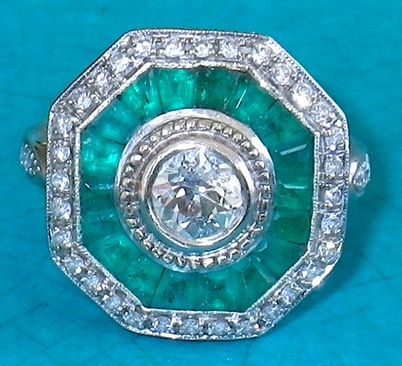 Vintage 1920's Art Deco Emerald and Diamond Platinum Engagement Wedding Ring  size 8