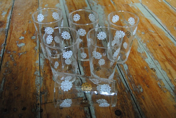 RESERVED for Mary Goodwin - Set of Gold and White Flower Drinking Glasses (6)