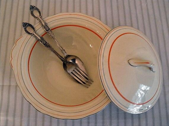 RESERVED /// VINTAGE art deco 1950s GRINDLEY lidded tureen