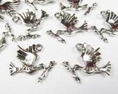 Bird Charms -25pcs Antique Silver Peace Charm Pendants 18x22mm A103-2