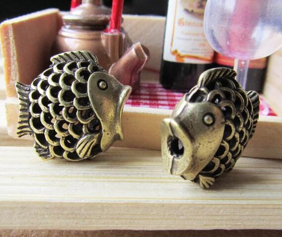 12% OFF - 5pcs Antique Bronze Filigree 3D Fish Spacer Bead Charm Pendants 9x17x20mm D301-3