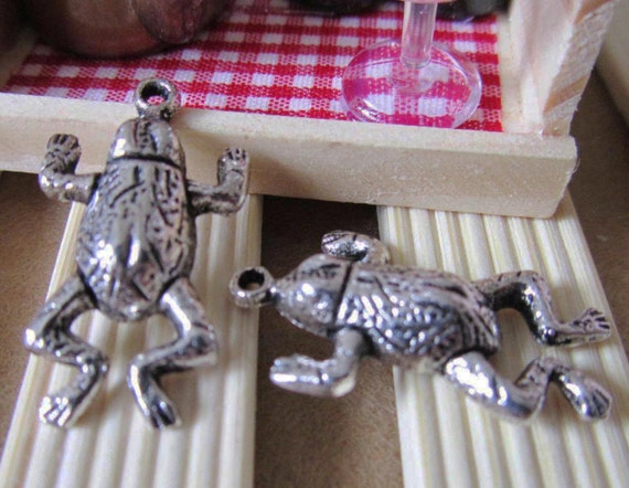 Frog Charms -25pcs Antique Silver Toad Frog Charm Pendants 16x28mm A203-2